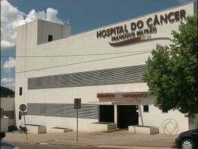Hospital do câncer em Francisco Beltrão conseguiu credenciamento pelo SUS - O Minsitério da Saúde autorizou o hospital a fazer 900 cirurgias pelo sistema único de saúde, além de 400 procedimentos de quimioterapia por mês.