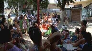 Estudantes de todo o Brasil participam da Bienal da UNE no Recife e Olinda - Uma mistura de sotaques que se espalha nas barracas instaladas no campus da UFPE, nas visitas a comunidades e nas oficinas de música e de circo.