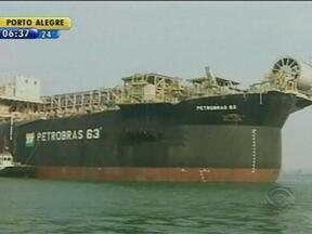 Porto de Rio Grande se prepara para receber empreendimento bilionário - Casco de plataforma de petróleo deve ser concluída em setembro deste ano.