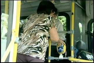 Moradores reclamam de sistema de biometria de ônibus em Teresópolis, RJ - Vereadores notificaram a empresa Dedo de Deus para suspender o sistema.A biometria identifica os passageiros através da impressão digital.