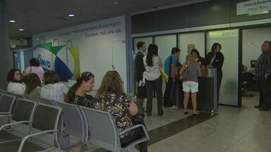 Problema em computadores da PF interrompe serviço de emissão de passaportes - O problema aconteceu em Brasília, mas afetou o sistema no Aeroporto dos Guararapes. Cerca de 400 passaportes por dia deixam de ser entregues.
