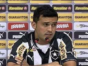 Agora no Botafogo, Edílson fala de conquistas e mágoas com Grêmio - Novo reforço do alvinegro acredita que briga pela vaga será sadia e reclama da postura de jogadores, comissão técnica e diretores no time do sul.