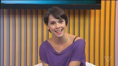 """Debora Falabella estrela peça """"Amor e outros estranho rumores"""" no Sesc, em Santos - A entrada é gratuita. A peça será exibida em três sessões: no sábado (26), às 19h e às 21h e, no domingo (21) às 19h."""