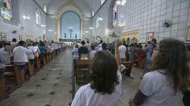 Fiéis acompanham missa da primeira etapa da beatificação de Irmã Benigna - A serva de Deus teve trajetória marcada por generosidade