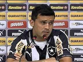 Botafogo apresenta Edilson como novo lateral - O ex-jogador do Grêmio soltou o verbo.