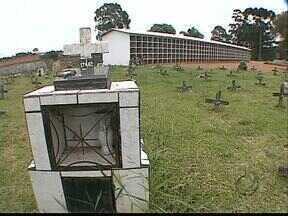 Cemitério Vertical amplia espaço no Vicentino em Ponta Grossa - O cemitério é destinado a famílias pobres sem recursos para funerais. As 500 gavetas já estão prontas.