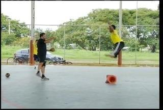 Goleiros de handebol de Montes Claros treinam com jogador do Pinheiros de São Paulo - Goleiros de handebol de Montes Claros treinam com jogador do Pinheiros de São Paulo.
