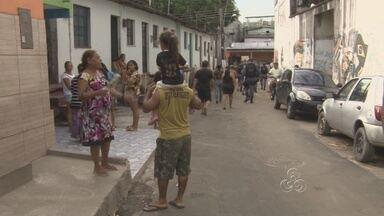 Adolescente de 17 anos é morto a tiros em beco na Zona Sul de Manaus - Jovem morava com a família em beco vizinho ao local do crime. A Delegacia Especializada em Homicídios investiga o assassinato.