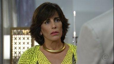 Guerra dos Sexos - capítulo de sábado, dia 26/01/2013, na íntegra - Roberta pede Nando em casamento