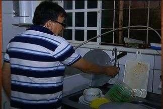 Moradores de Santo Antônio do Descoberto reclama que estão há sete dias sem água - Moradores reclamam da falta de água em Santo Antônio do Descoberto, na região leste de Goiás. Em alguns bairros, já são sete dias sem água.