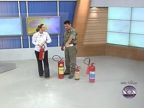 Saiba em quais situações o uso do extintor de incêndio é eficaz - Capitão Marcos Paz, do Corpo de Bombeiros de Porto Alegre esclarece dúvidas sobre o instrumento.