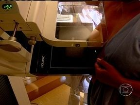 Conheça os exames que ajudam a detectar problemas nas mamas - O mamógrafo comprime os seios para visualizar lesões precocemente. A ultrassonografia, em geral, é um exame complementar. A biópsia de fragmento retira um pedaço do material para analisar o nódulo.