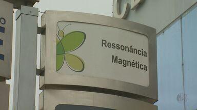 Anvisa vistoria hospital onde 3 morreram após ressonância magnética - Agência enviou cinco técnicos para Campinas (SP) nessa quarta (30). As vítimas tiveram parada cardíaca e morreram após o exame. A causa das mortes ainda não foram determinadas.