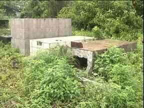 Prefeitura quer retirar cemitério para construir praça em Praia de Leste - Cemitério está desativado há 10 anos
