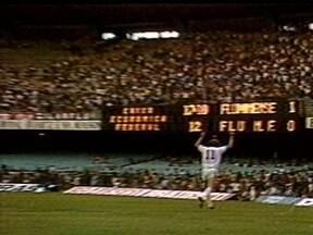 Baú do Esporte relembra 'Flu-Flu' pelo Campeonato Carioca em dia do atacante Nunes - Equipes xarás se enfrentaram em 1979, com o Fluminense mais famoso vencendo o rival de Friburgo por 4 a 0.