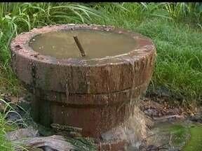 Vazamento de esgoto vai parar na Usina de Corumbá IV - O problema acontece em Santo Antônio do Descoberto, mas o rio leva os desejos até a usina. É de lá que a Caesb pretende captar água para o DF nos próximos anos.