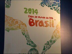 Pôster oficial da Copa do Mundo de 2014 é apresentado no RJ - A apresentação do cartaz oficial da Copa aconteceu em um hotel do Rio de Janeiro. O secretário-geral da Fifa também deu uma entrevista coletiva.
