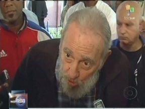 Fidel Castro reaparece e vota nas eleições parlamentares em Cuba - O ex-presidente votou, pela primeira vez, em quase sete anos. Fidel foi em uma sessão eleitoral em Havana para votar nas eleições parlamentares. Desde que ficou doente, ele votava em casa.
