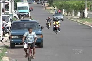 Polícia de Caxias quer evitar fuga de assaltantes para outros municípios - A polícia de Caxias está preocupada com a ação de bandidos que praticam assaltos na cidade e vão se esconder em municípios vizinhos. Um tipo de ação que tem se tornado comum para tentar atrapalhar as investigações policiais.