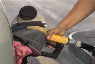Álcool ou gasolina, com qual combustível abastecer o carro em Sergipe? - Com o aumento do preço da gasolina e a facilidade de ter um motor flex, uma dúvida surge: com qual abastecer? Saiba os pontos negativos e positivos de cada combustível em Sergipe.