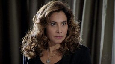 Wanda avisa a Santiago que os dois estão correndo perigo - Ela diz ao comparsa que Helô precisa sumir do mapa
