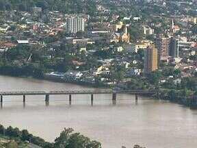 30 anos da enchente de União da Vitória (parte 2) - Os moradores de União da Vitória precisaram conhecer o Rio Iguaçu e tentam conviver com o rio que, ao mesmo tempo, embeleza e ameaça a cidade.