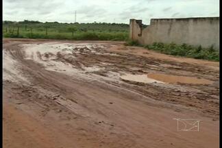 Em Bacabal, o início do período chuvoso traz de volta transtornos para os moradores - Algumas ruas do bairro Novo Bacabal ficam tomadas pela lama e pelos buracos.