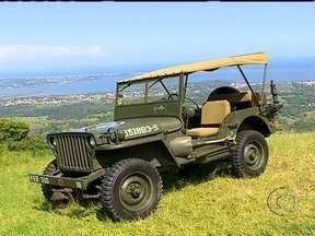 Baterista João Barone é apaixonado por veículos de guerra - O baterista do Paralamas do Sucesso comprou um jipe para restaurar. O carro de 1944 tem todas as peças originais. O veículo foi batizado como Gisella.