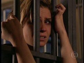 Da Cor do Pecado - Capítulo de quarta-feira, dia 20/02/2013, na íntegra - Bárbara confessa seus crimes e descobre que Paco sobreviveu ao acidente e assumiu o lugar de Apolo