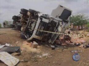 Motoristas de transportes de carga não repeitam normas e evitam descanso obrigatório - Desrespeito a lei pode causar acidentes nas rodovias.