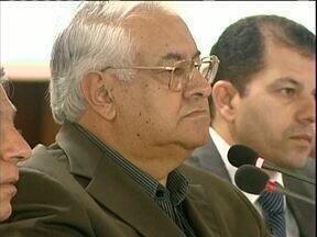 O diretor do Hospital São Vicente diz que baleados devem ir para outro lugar - O diretor prestou depoimento na Câmara de Vereadores e explicou porque o ex-prefeito Saul Raiz não foi atendido.