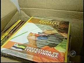 Polícia investiga produção e distribuição de livros em Itapetininga, SP - A Polícia Civil de Itapetininga (SP) instaurou inquérito para apurar produção e distribuição de livros pela gráfica da imprensa oficial a pedido da administração passada.