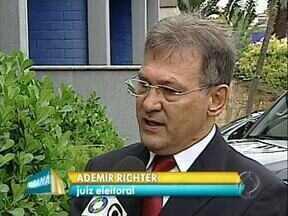 Juiz eleitoral explica como vai ser o cadastramento biométrico em Londrina - Cartórios eleitorais ficam fechados ao público até dia 4 de março para organizar o cadastramento biométrico dos eleitores.