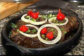 Cozinheira do Espírito Santo ensina a fazer 'cupim assado' - Diferente de muitas churrascarias, a carne não é gordurosa. Veja a receita e tome nota.