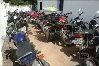 Operação da PM apreende 34 motocicletas que circulavam irregularmente, em Duque Bacelar - A maioria dos condutores da cidade sequer possui carteira nacional de habilitação.