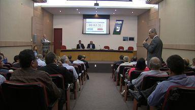Internet é tema de encontro do comércio varejista - Os principais líderes do comércio de todo o País estão reunidos em Fortaleza.