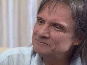Reveja a entrevista de Roberto Carlos no Fantástico - No programa de 12 de dezembro de 2004, Roberto Carlos falou do tratamento do Transtorno Obsessivo-Compulsivo.