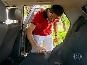 AutoEsporte testa kit de produtos de limpeza para o carro - Não importa se a família é tradicional ou animal. A sujeira dentro do carro é certa. E para compensar, tem os produtos de limpeza.