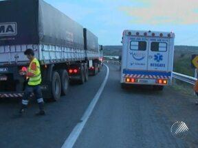 Corpo do caminhoneiro assassinado na região de Irecê é enterrado - O crime ocorreu durante um assalto.