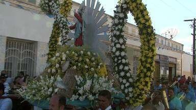 Procissão de Bom Jesus dos navegantes em Porto Real do Colégio - A celebração começou logo cedo, ás margens do Rio São Francisco.