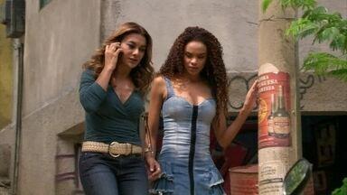 Lucimar consegue que Sheila a leve até o provável endereço de Wanda - Helô faz questão de acompanhar as duas
