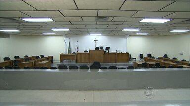 Fórum de Contagem começa preparativos para julgamento do caso Eliza Samudio - Goleiro Bruno e ex-mulher vão ser julgados a partir da próxima segunda-feira (4).