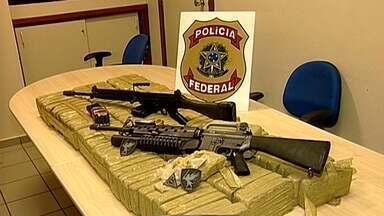 Polícia Federal intercepta avião e prende envolvidos com tráfico em MG - Aperação doi em Campo Florido e 115 kg de pasta base foram apreendidos.