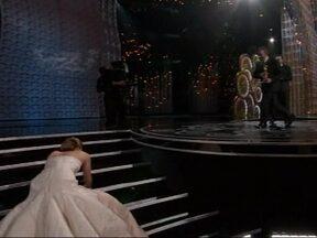 Já pagou aquele mico como a atriz Jennifer Lawrence? Envie seu vídeo - Foi o mico da semana! Todo mundo viu a atriz Jennifer Lawrence tropeçar e cair na entrega do Oscar 2013. Agora, o Fantástico quer saber: você aí de casa já pagou aquele mico em público e tem isso registrado?