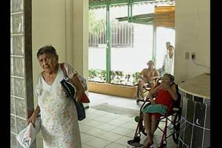 Idosos devem ser remanejados de abrigo - A falta de estrutura foi detectada durante vistoria do Ministério Público, que recomendou a desativação do espaço.