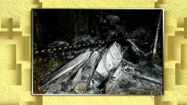 Polícia investiga causa da queda de avião em Tiros - Aeronave explodiu na hora da decolagem.