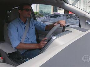 Max Fercondini dirige um carro elétrico - O ator Max Fercondini, apresentador do Globo Ecologia, anda pela primeira vez em um carro 100% elétrico: o Nissan Leaf. E participa do estúdio do AutoEsporte.