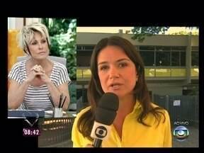 Repórter, direrto do Fórum de Contagem, traz informações sobre caso do ex-goleiro Bruno - Ela conta que Bruno quer reduzir seu tempo de prisão