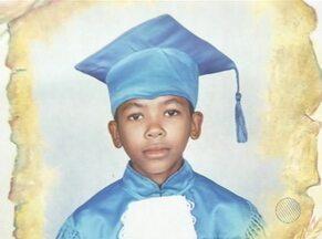 Família espera solução para sumiço de garoto há 3 meses em Conquista - Garoto Maicon, de 10 anos de idade, sumiu depois de ser visto com adolescentes, que foram abordados por policiais militares.
