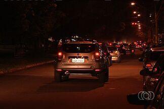 Polícia prende menor suspeito de praticar assaltos no Setor Celina Park, em Goiânia - A polícia apreendeu um menor suspeito de praticar assaltos no setor Celina Park, em Goiânia. Na segunda-feira, uma dupla invadiu duas farmácias e um lavajato na principal avenida do bairro.